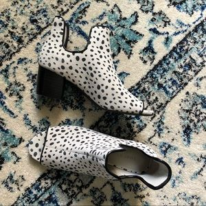 Lori Goldstein Collection Peep Toe Booties